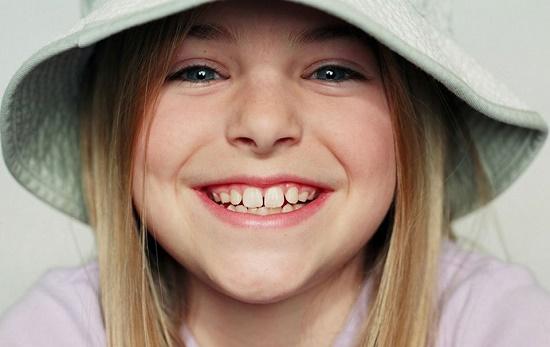 В какой очередности растут зубы у малышей