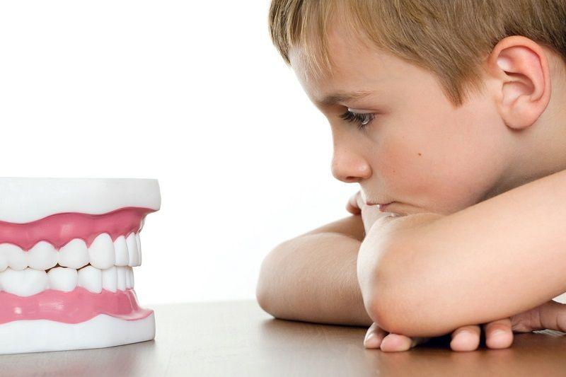 kak-perestat-skrezhetat-zubami