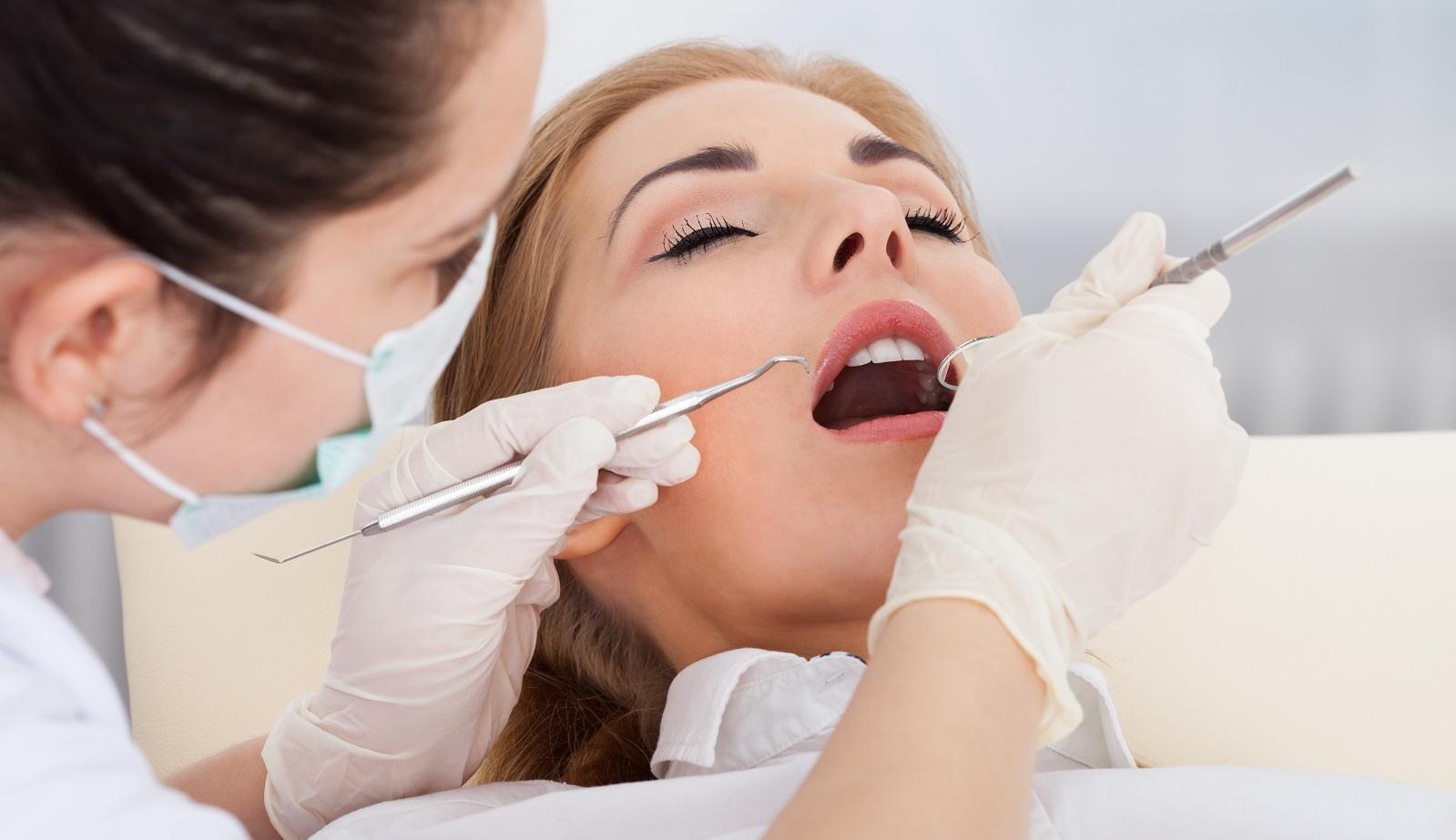 osmotr-u-stomatologa