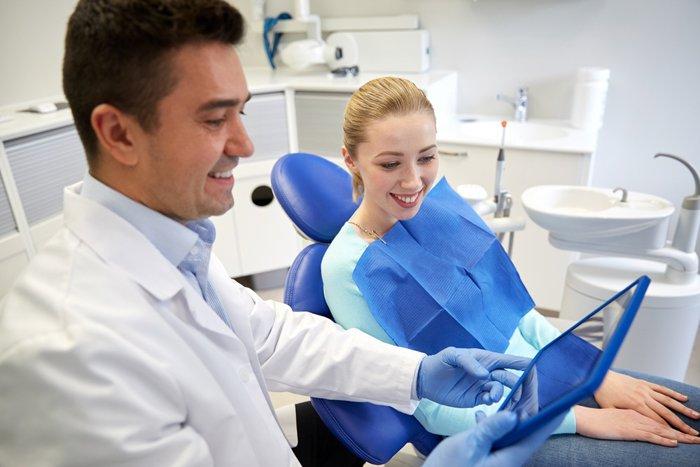 konsultatsiya-vracha-stomatologa